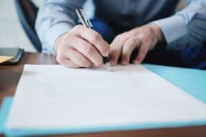 Zeugnis Arbeitsvertrag Anwalt Hilden