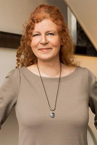 Christa Therhag, Kauffrau im Groß- und Außenhandel, Buchhaltung bei Bösch & Kalagi