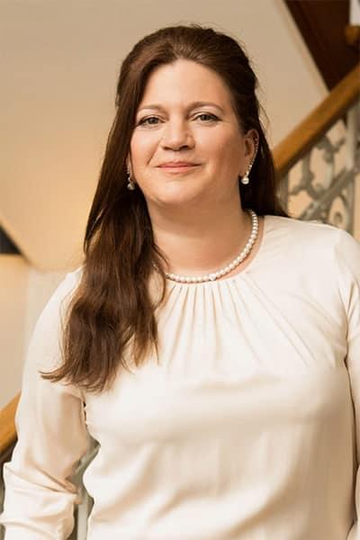 Katja Erhardt, Fachwirtin der Grundstücks- und Wohnungswirtschaft bei Bösch & Kalagi